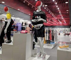 Deportes Blanes abre la mayor tienda Wanna Sneakers