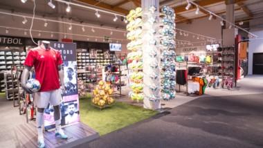 Forum Sport implanta su nuevo modelo de tienda en el centro comercial Urbil