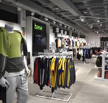 Base-Detallsport abre su formato de tienda más experiencial