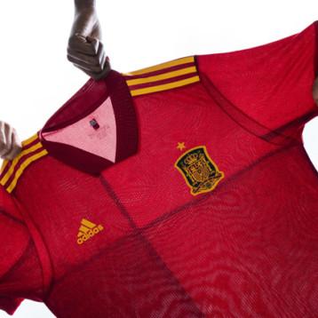Adidas extiende su colaboración con la Federación Española de Fútbol
