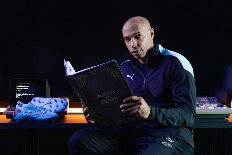 Thierry Henry presenta las nuevas botas Puma Future Flash