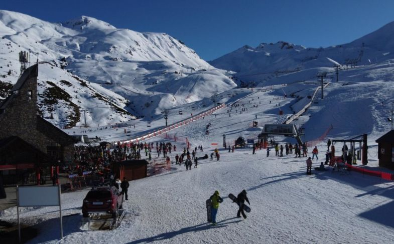 boi-taull-esqui-estacion-deportes-invierno-ff894db9a1b8