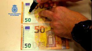 la policía advierte sobre la eficacia del rotulador detector de billetes falsos