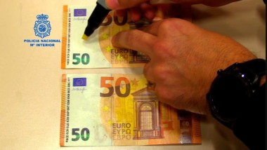 Alerta para el retail: el rotulador que detecta billetes falsos, en duda