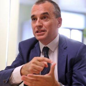Joaquim Deulofeu es doctor en Ciencias Económicas y Empresariales por la Universidad de Barcelona y profesor de Escodi, la Escuela Universitaria del Comercio y la Distribución