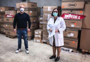 Calzados Paredes dona material contra el coronavirus