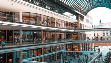 La afluencia a los centros comerciales aumenta un 2,4%