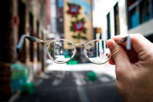 Oriol Villena recomienda ponerse las gafas