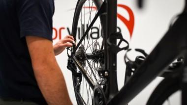 Deporvillage abre servicio de montaje y reparación de bicicletas