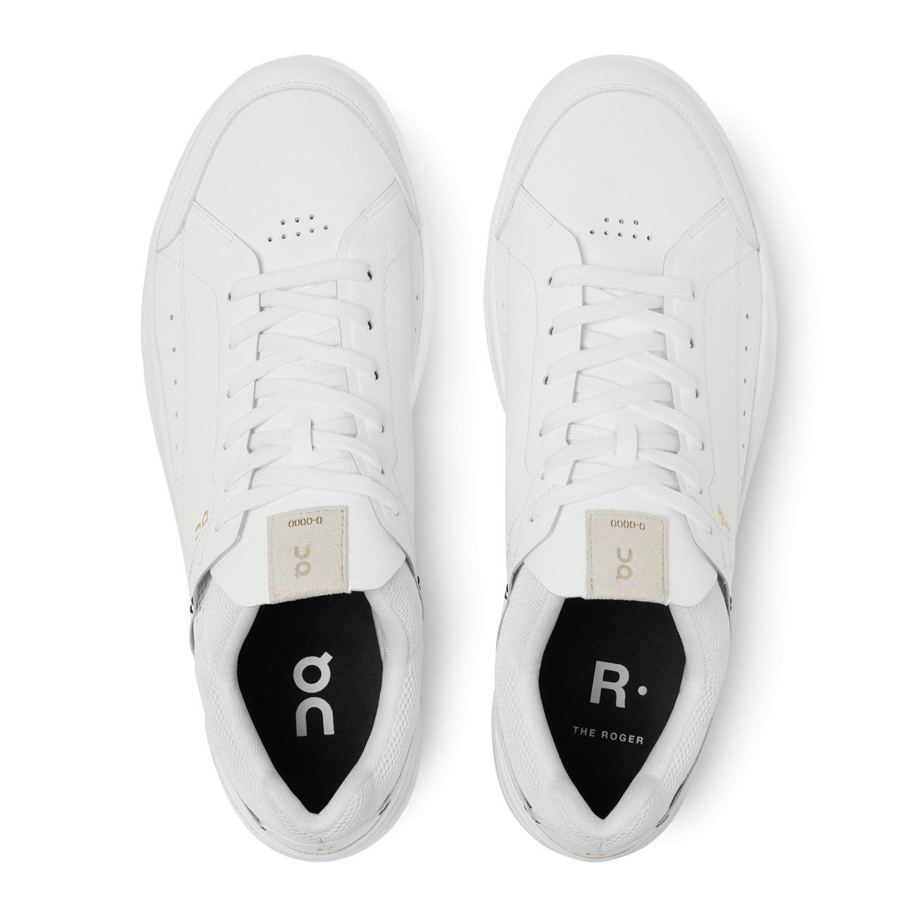 On lanza unas zapatillas de tenis junto a Roger Federer