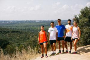 presentación nuevas zapatillas de trail running Fujitrabuco de Asics