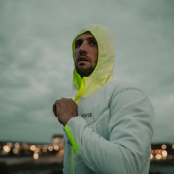 La chaqueta térmica R5 Gore-Tex Infinium combina máximo  confort y altas prestaciones