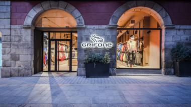 Grifone estrena su séptima tienda en los Pirineos