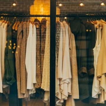 La crisis reduce a la mitad el empleo en el sector textil