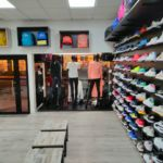 remodelación de la tienda de Atmósfera Sport en Noia (Coruña)