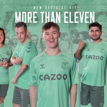 Hummel se proclama campeón del patrocinio con una acción solidaria con el Everton