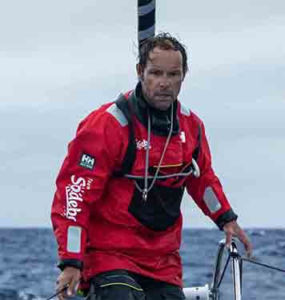 Thomas Coville, aventurero náutico comprometido con Helly Hansen