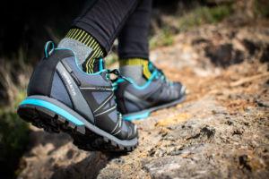 calzado de Paredes para trekking y montaña