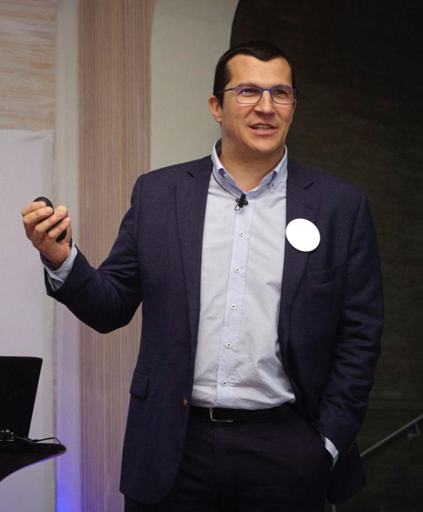 Carles Torrecilla es profesor de Esade y empresario del retail