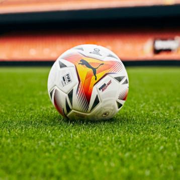 Puma descubre el balón oficial de la próxima liga española de fútbol