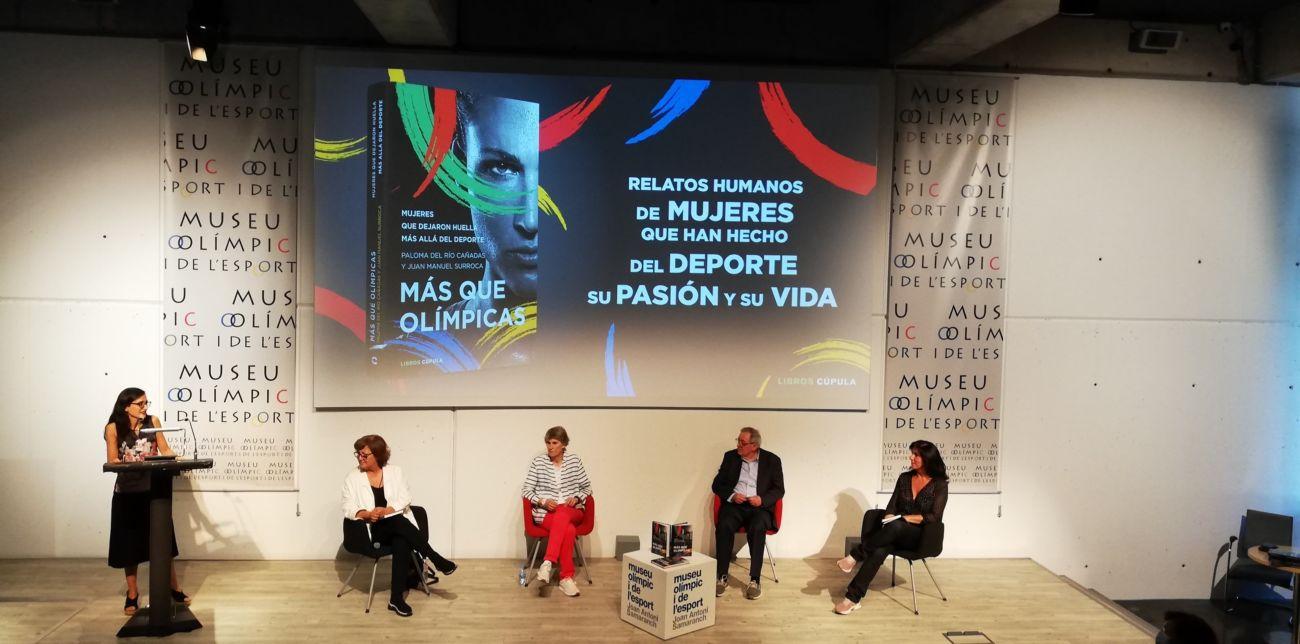 """Juan Manuel Surroca y Paloma del Río presentan el libro """"Más que olímpicas"""" en el Museu Olímpic"""