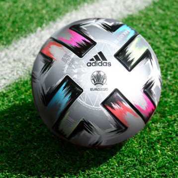 Los balones Adidas marcarán goles solidarios
