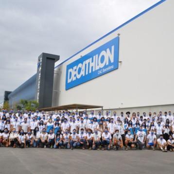 Decathlon inaugura un centro logístico de 96.000 metros en Barcelona
