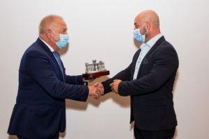 Calzados Paredes recibe un premio a la excelencia comercial