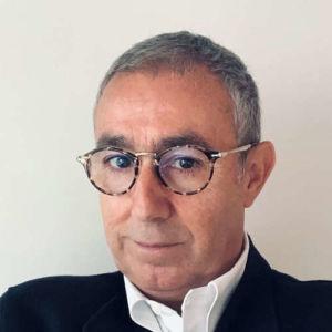 Diego Torres publica en Libros de Cabecera